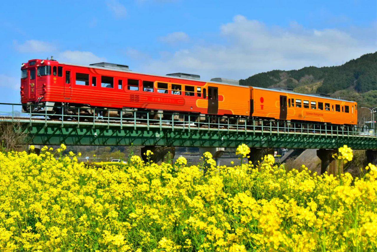 四国観光列車 伊予灘
