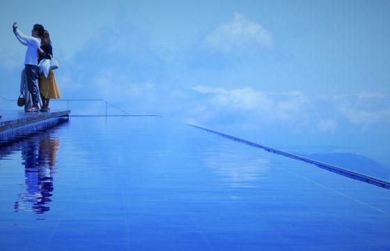 話題の絶景テラス「びわ湖テラス」と「ガーデンミュージアム比叡」
